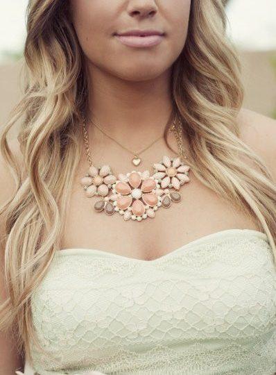 Jaka biżuteria do sukni ślubnej?